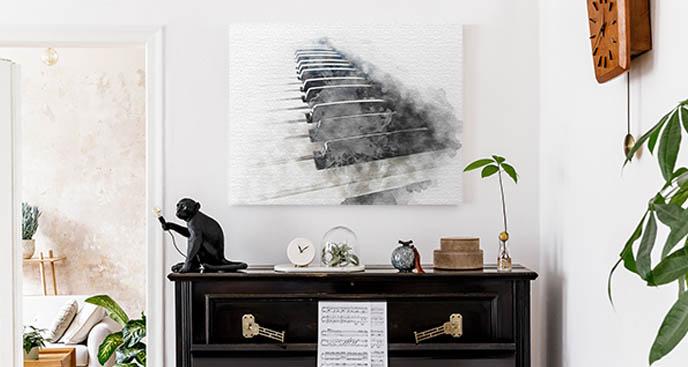Bild mit Klaviertasten im Nebel