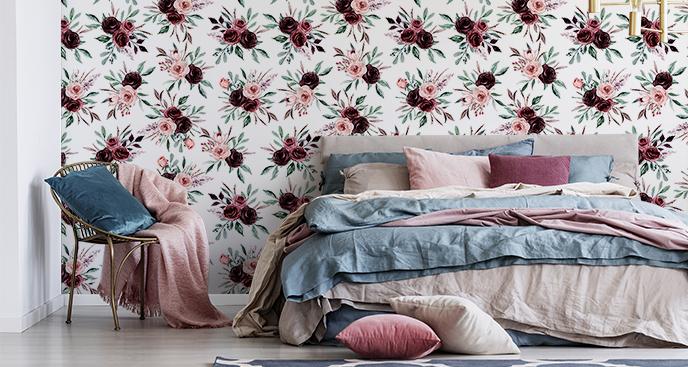 Tapete mit Rosen für das Schlafzimmer